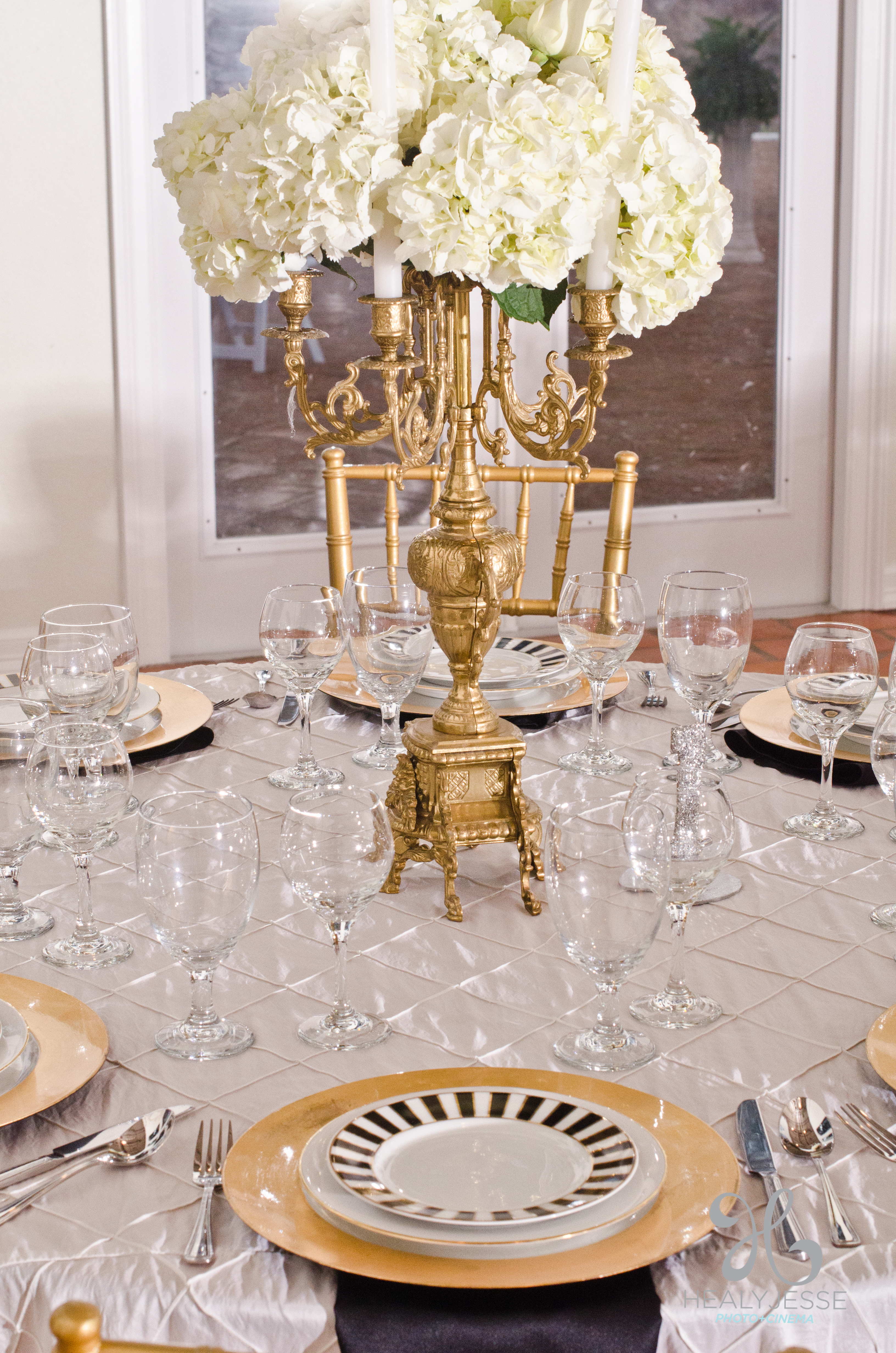 hydrangea centerpiece gold cendelabra